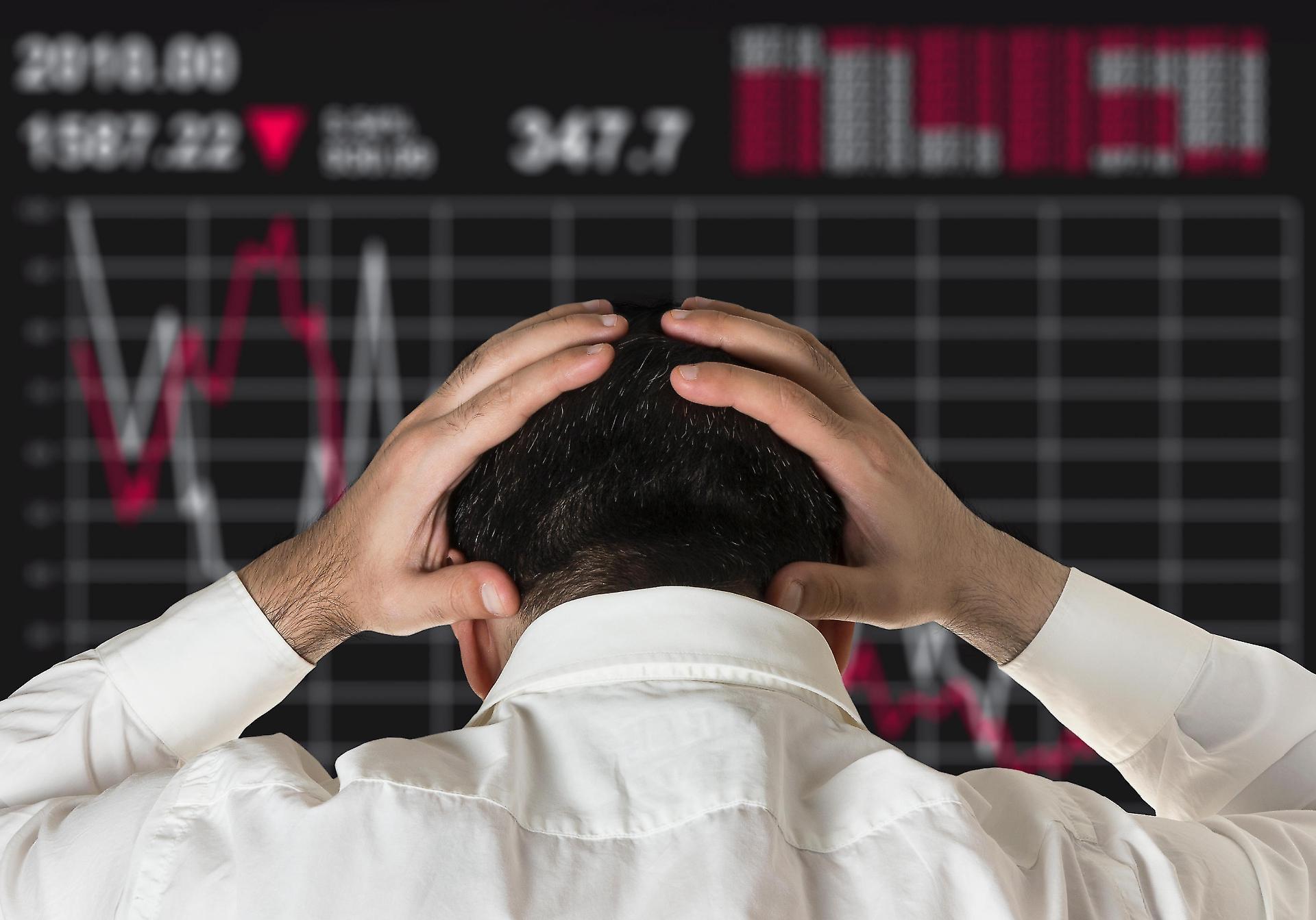 Santiment: Слабые инвесторы не выдерживают нынешнего крипторынка