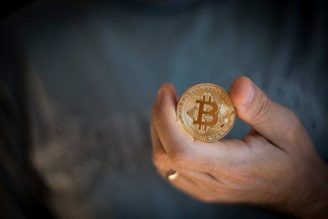 Что нужно делать, чтобы не потерять свои биткоины?