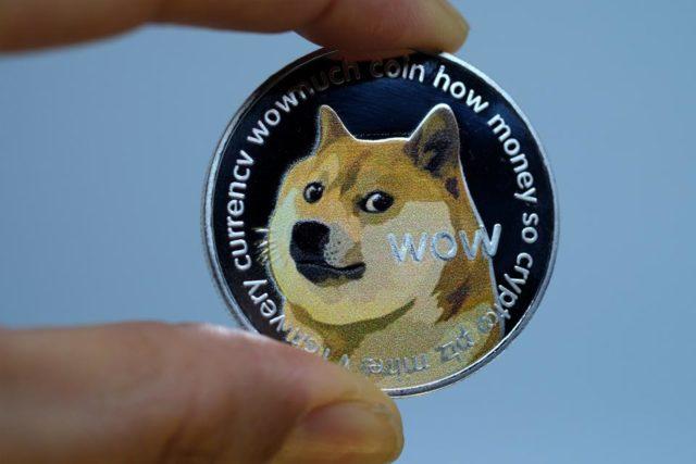 В 1800 криптоматах США теперь можно купить Dogecoin | Криптовалюта.Tech